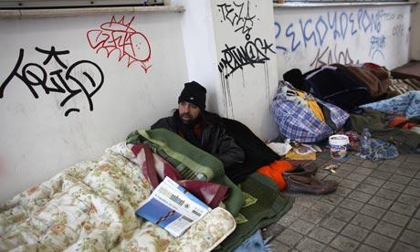 Greece-homeless-men-in-Atene